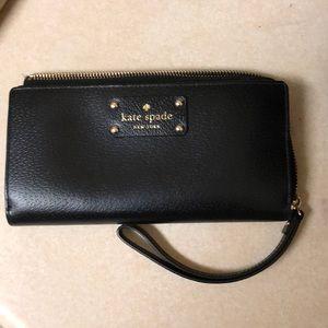 Black Kate Spade wallet/ wristlet